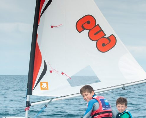 2 jeunes optimist pole nautique hague portrait